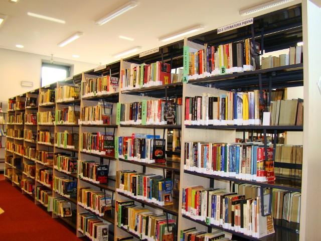 Choć biblioteki otwierają się dla czytelników, to ci na razie nie będą mieli bezpośredniego dostępu do księgozbioru