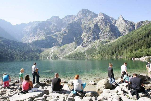 Morskie Oko. Największe jezioro w Tatrach, położone w Dolinie Rybiego Potoku u stóp Mięguszowieckich Szczytów, na wysokości 1395 m n.p.m.