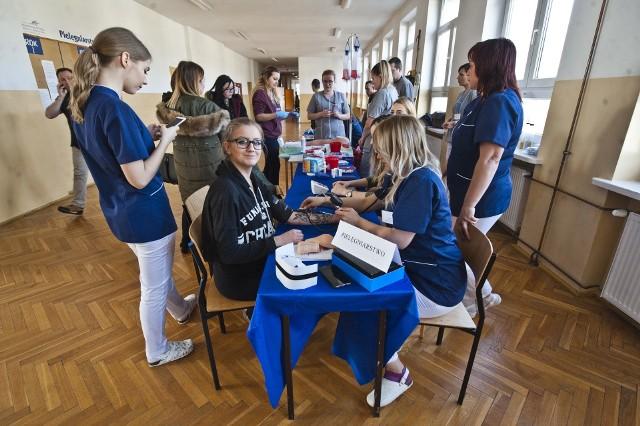 Państwowa Wyższa Szkoła Zawodowa w Koszalinie po raz kolejny ogłasza konkurs, w którym wygraną jest darmowe miejsce w akademiku w pierwszym roku studiów.