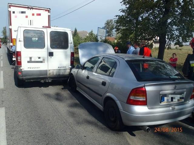 Lutogniew: Wypadek na drodze krajowej 36. Są ranni [ZDJĘCIA]