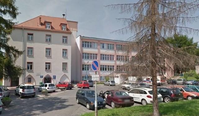 Dwa oddziały szpitala w Głubczycach zostały zamknięte przez COVID-19.