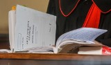 Proces Adamowicza odroczony do wiosny. Możliwe, że sąd przesłucha wówczas ostatniego świadka