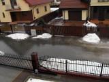 Chorwacka: Roztopy. Woda wdziera się na posesje (zdjęcia)