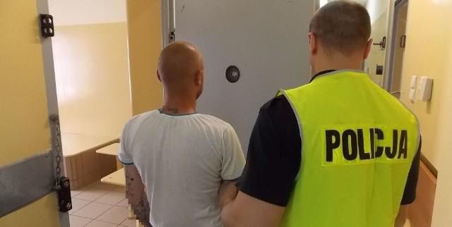 30-latek znany policjantom ze swojej działalności spędził noc w areszcie.