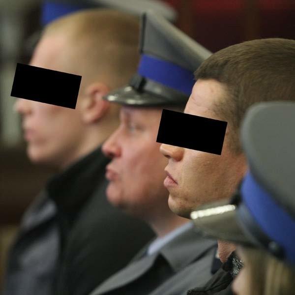 Tomasz S. (z lewej) i Karol P. nie przyznają się do zabicia Maćka.