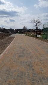 Nowa droga do jeziora w Kiedrowicach. W Gliśnie też budują (ZDJĘCIA)