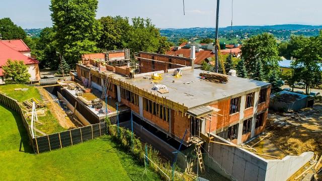 Szkoła Podstawowa w Sygneczowie dostanie wyczekiwaną salę gimnastyczną. Obiekt za 3,3 mln zł ma być gotowy w listopadzie 2021