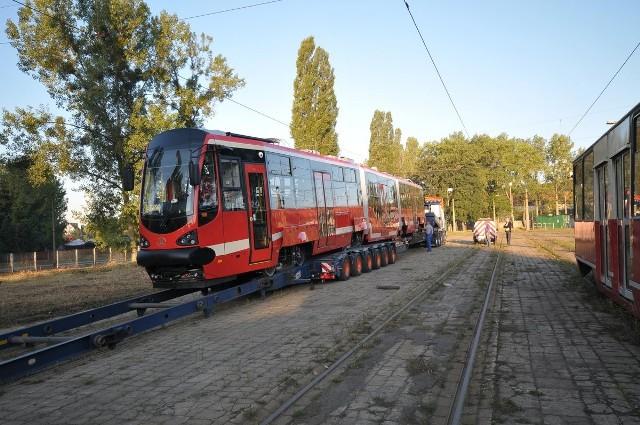 Tramwaje Śląskie już mają nowy tramwaj Moderus Beta. Przyjechał do Bytomia