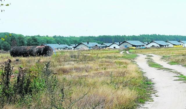 W tym miejscu ma powstać osiedle. Sąsiedzi martwią się o kanalizację w nowo budowanych domach
