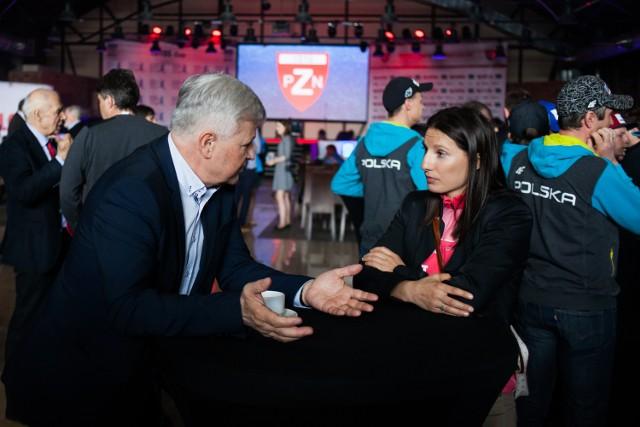 Prezes Apoloniusz Tajner tłumaczy Sylwii Jaśkowiec przyczyny zmian