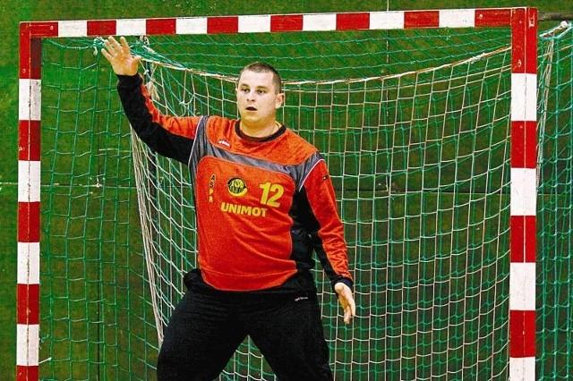 Bramkarz Tomasz Wasilewicz ratował swój zespół kilkanaście razy. To głównie jego dyspozycja pozwoliła drużynie wygrać arcyważny mecz.