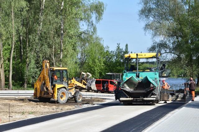 W Solcu Kujawskim budowanym traktem można dojść już niemal do samej Wisły