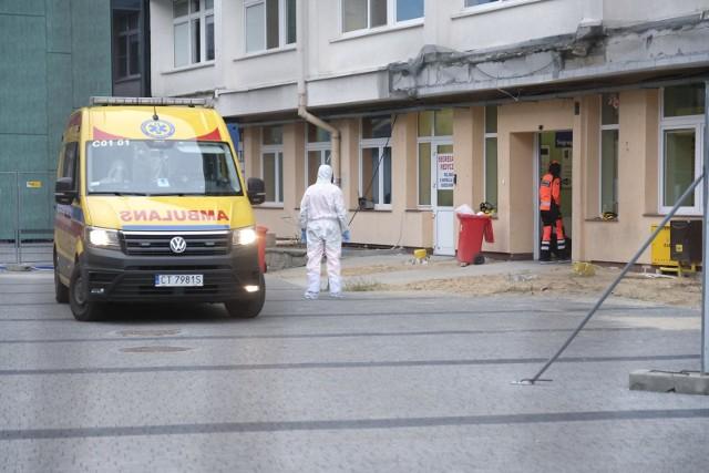 Rok z epidemią koronawirusa w Toruniu. Niepokojące dane towarzyszą nam cały czas