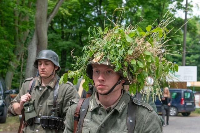 Miłośnicy historii i militariów spotkali się w weekend w Forcie VI w Poznaniu. Odbył się piknik historyczny, zawody strzeleckie, wystawa broni palnej, pokaz grup rekonstrukcyjnych. Przejdź do kolejnego zdjęcia --->