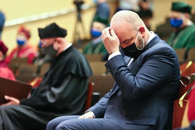 Inauguracja roku akademickiego na Uniwersytecie Wrocławskim, czwartek 1 października 2020. W sobotę Jacek Sutryk otrzymał pozytywny wynik testu na obecność koronawirusa