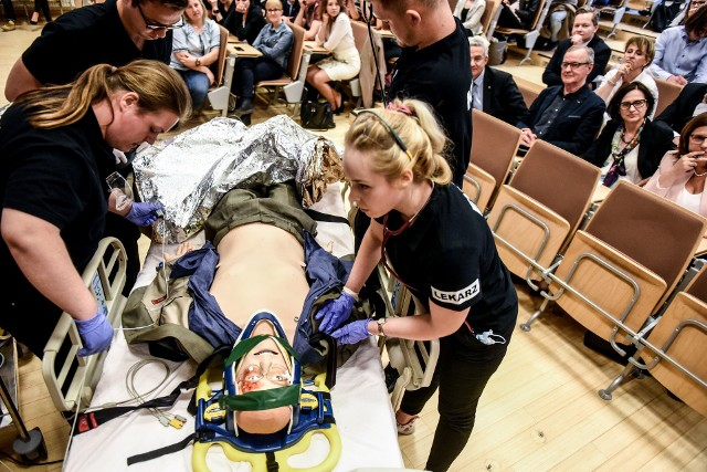 Poznańscy studenci ratowali najważniejszą osobę w kraju