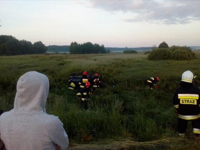 Do wypadku doszło dziś po godzinie 4 na drodze Wasilków - Nowodworce.Zdjęcia dzięki uprzejmości OSP Nowodworce.