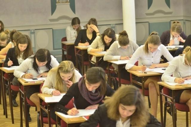 Matura próbna z matematyki w II LO w Poznaniu