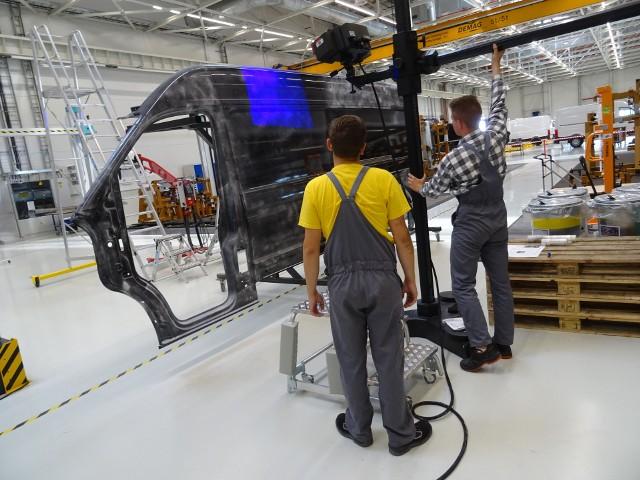 Dotychczas, w ramach realizowanego konsekwentnie programu kształcenia zawodowego, klasy patronackie w Zespole Szkół Nr 1 w Swarzędzu oraz w Zespole Szkół Politechnicznych we Wrześni opuściło 576 absolwentów, z których 505 spełniło kryteria i tuż po ukończeniu szkoły zostało zatrudnionych w Volkswagen Poznań.