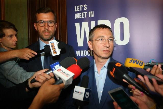 Mecenas Jacek Masiota i wiceprezydent Wrocławia Maciej Bluj