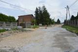 Skawina. Do 30 sierpnia kierowcy jadący do Mogilan powiatową ul. Wyspiańskiego, muszą kierować się na objazdy