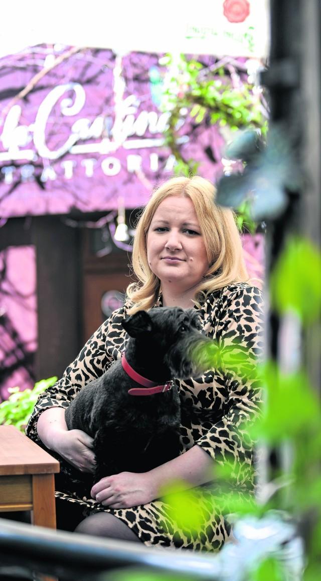 Danuta Grochowska w La Cantina: - Mój pies, podobnie jak ja, lubi życie kawiarniane