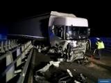 Nieprawdopodobna tragedia. Pracownik pomocy drogowej również wpadł w szczelinę po wypadku na autostradzie A1 [zdjęcia]