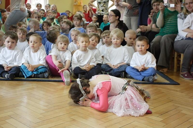 Konkurs tańca w przedszkolu nr 9Konkurs tańca w przedszkolu nr 9