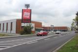 W Oświęcimiu centrum handlowe już stoi, a w Kętach wyrasta nowe