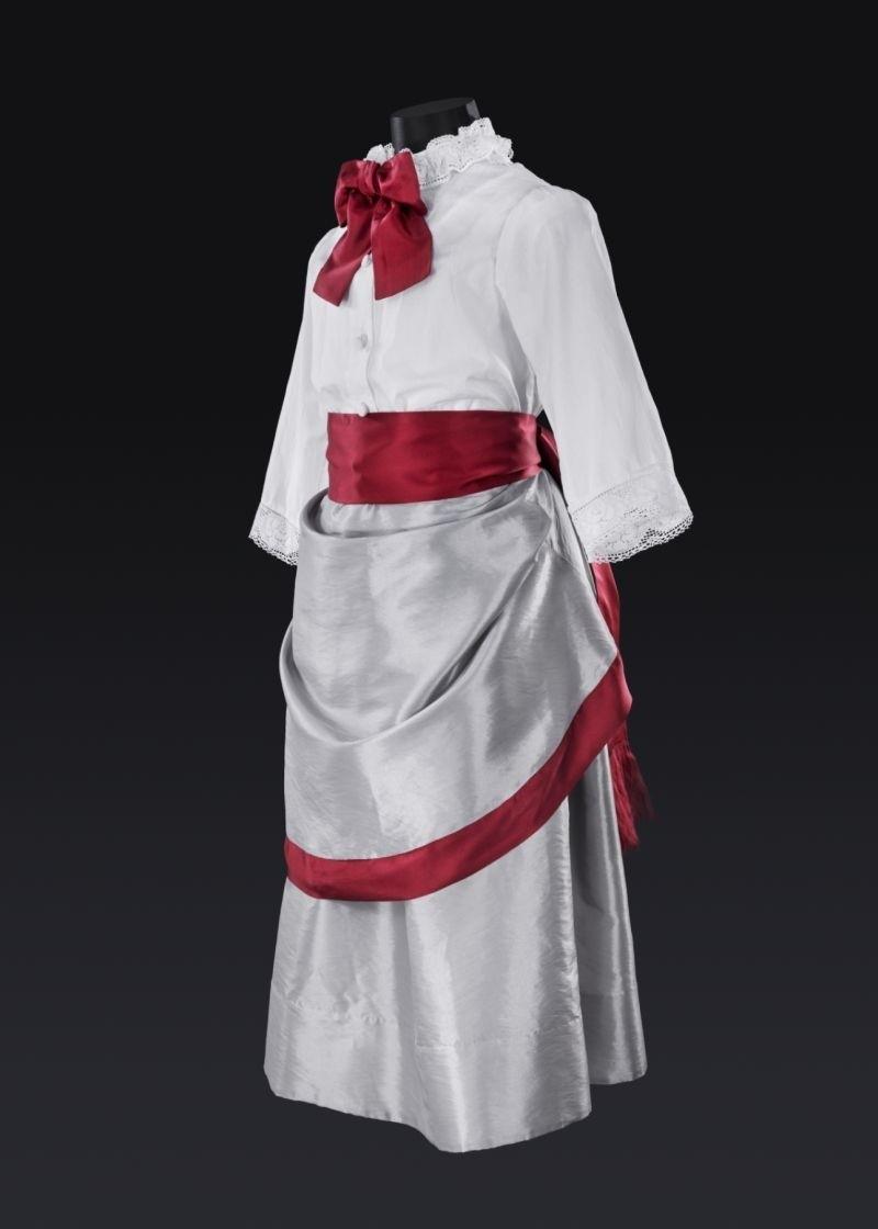 Ta piękna suknia to dzieło Zuzanny Malinowskiej.