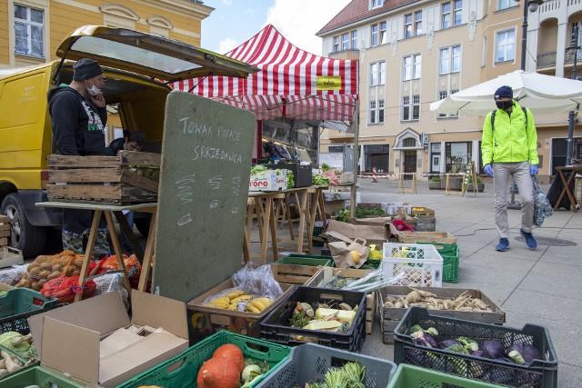 Popularność bydgoskiego frymarku to dowód na to, że bydgoszczanie chcą kupować produkty od lokalnych dostawców.