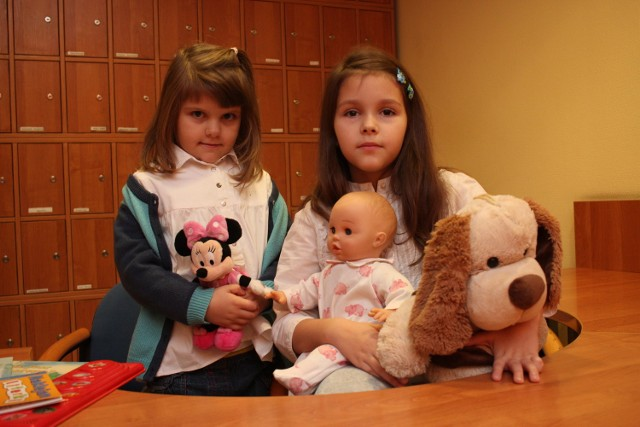 Kalina i Malwina biorą udział w naszej akcji już po raz czwarty. Przekazały redakcji swoje pluszaki, lalki, gry oraz ubrania
