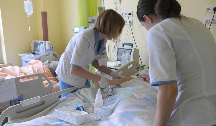 Pielęgniarki ze szpitala Kopernika doszły do porozumienia z dyrekcją. Dostaną podwyżki i mają wrócić do pracy.