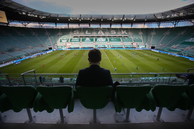 Śląsk Wrocław zakończył sezon 2019/2020 na 5. miejscu w tabeli PKO Ekstraklasy. To najlepszy wynik WKS-u od 5 lat. Z czego zapamiętamy ten sezon? Jaki on był, co było dobre, a co złe? Zapraszamy do naszego subiektywnego podsumowania, w formie alfabetu Śląska Wrocław w minionych rozgrywkach.WAŻNE - DO KOLEJNYCH ZDJĘĆ MOŻNA PRZEJŚĆ ZA POMOCĄ GESTÓW LUB STRZAŁEK