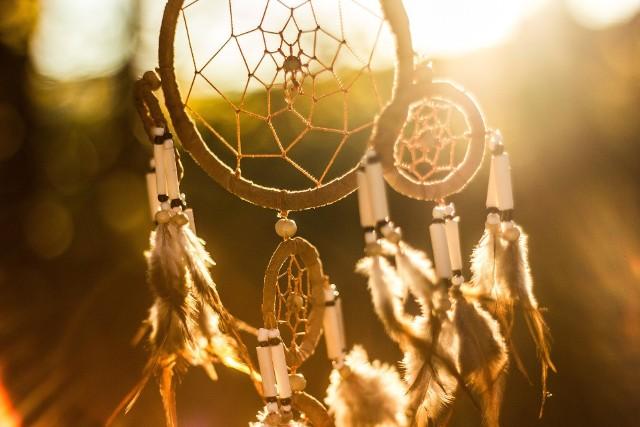 Łapacz snów to nie tylko amulet, który ma chronić swojego właściciela, ale także może być piękną dekoracją w mieszkaniu.