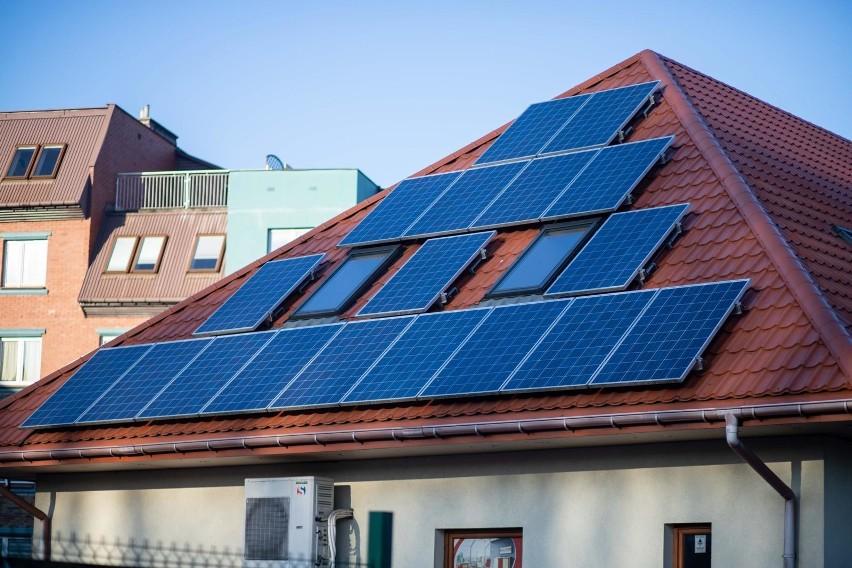 Dynamika przyrostu nowych instalacji fotowoltaicznych sprawia, że sektor energetyki słonecznej jest obecnie najszybciej rozwijającym się sektorem odnawialnych źródeł energii w Polsce.