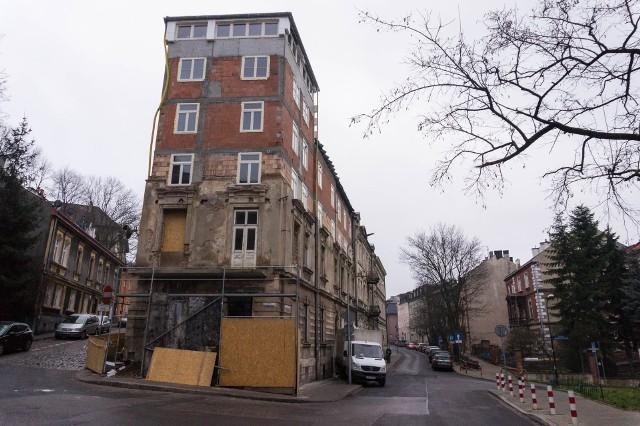 Nadbudowa kamienicy na rogu ulic Krzemionki i Jana Zamoyskiego