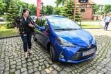 Loteria PIT w Gdańsku roztrzygnięta. Zwyciężczyni otrzymała hybrydową Toyotę Yaris