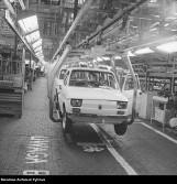 Kultowy mały fiat. 20 lat temu wyjechał z fabryki w Bielsku ostatni fiat 126p. Zobaczcie, jak go produkowano w latach 70. XX wieku