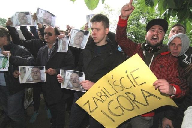 """Po śmierci Igora Stachowiaka mieszkańcy Wrocławia oskarżali policję o """"zabicie Igora"""""""