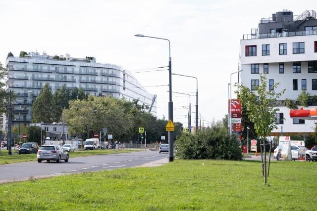 Drożyzna sprawi, że Warszawa będzie tracić zdolność zatrzymywania i przyciągania ludzi najbardziej utalentowanych, kreatywnych, kluczowych dla dalszego rozwoju i tworzenia pozytywnego wizerunku miasta. Możemy spodziewać się spadku atrakcyjności Warszawy wśród inwestorów, którzy wybiorą inne polskie miasta lub metropolie w regionie Europy Środkowej.