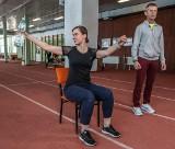 Dwóch profesorów z Gdańska postawiło przed sobą ważny cel: chcą wyrwać seniorów z bezruchu. Pierwszy zestaw ćwiczeń [zdjęcia, film]