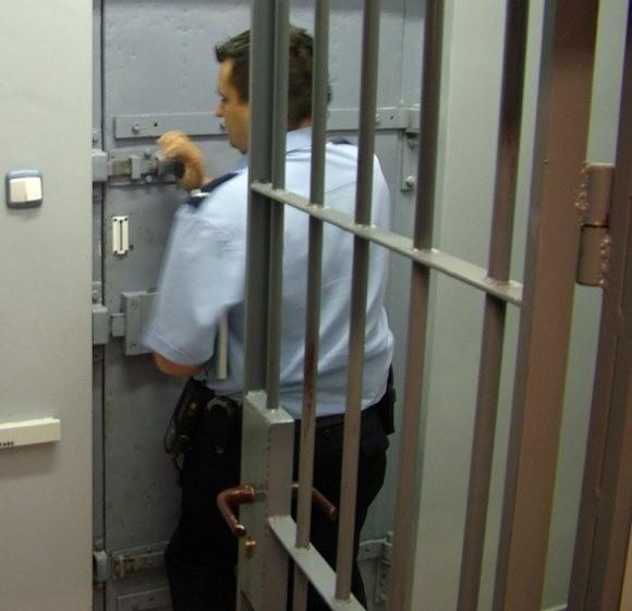 """Finałem """"pijanej"""" nocy był pełen areszt wałeckiej policji."""