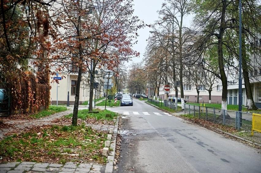 Ulica Sosnowa zazieleni się. Będzie też gdzie usiąść ZDJĘCIA