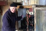 Ludwik Chrostek do kościoła chodzi codziennie już od... 60 lat. W Szynwałdzie nie wyobrażają sobie lepszego kościelnego