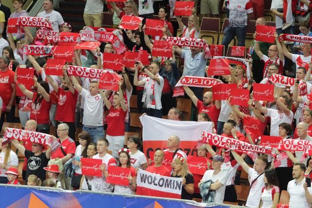 Liga Narodów: Kibice podczas meczu Polska - USA w Spodku byli wspaniali. Bawili sie doskonale i głośno dopingowali obie drużyny.