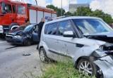 Kielce, ulica Grunwaldzka. Dwa groźne zderzenia samochodów osobowych - w nocy i przed południem, dwie osoby ranne [ZDJĘCIA]
