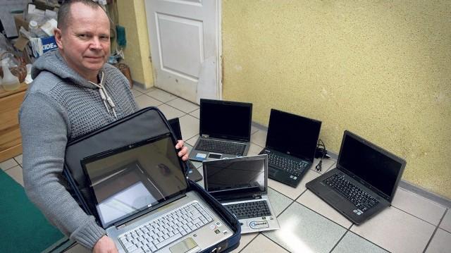 Lucjan Radiun zorganizował zbiórkę laptopów dla podopiecznych TPD. Sam je odbiera, dezynfekuje, a firma Graf Computer serwisuje. Wielkie brawa za piękną inicjatywę!