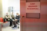 Skutki uboczne po szczepieniach w woj. śląskim. Prawie 900 osób zgłosiło niepożądane objawy. Pacjenci się skarżą [RAPORT 6.05.2021]