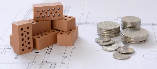 Zbudowanie historii kredytowej, spłata mniejszych zobowiązań, pożyczenie pieniędzy na dłużej czy wybór raty równej a nie malejącej – to tylko kilka z prostych sposobów na poprawienie swojej zdolności kredytowej. Odpowiednie uporządkowanie domowych finansów i planowanie są konieczne, aby zaciągnąć kredyt mieszkaniowy z głową.Przedstawiamy raport przygotowany wspólnie z firmą Open FinanceZobacz na kolejnych slajdach co zrobić żeby dostać kredyt - posługuj się myszką, klawiszami strzałek na klawiaturze lub gestami